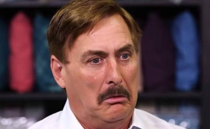 My Pillow CEO, Mike Lindell Suing CNN's Jim Acosta For Insulting HisPillow